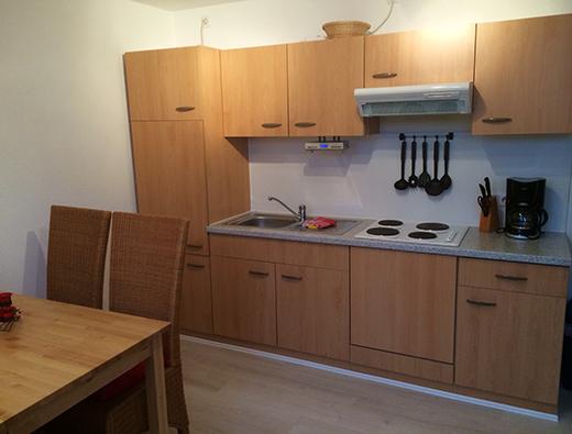 Ess- und Wohnbereich mit Küche